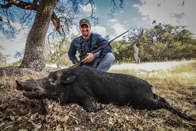 Bear Pascoe Weatherby SHWAT hog hunt
